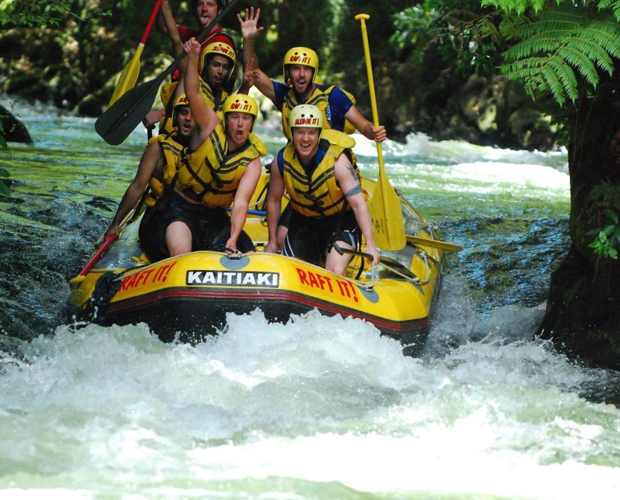 white-water-rafting-cairns-1260x700